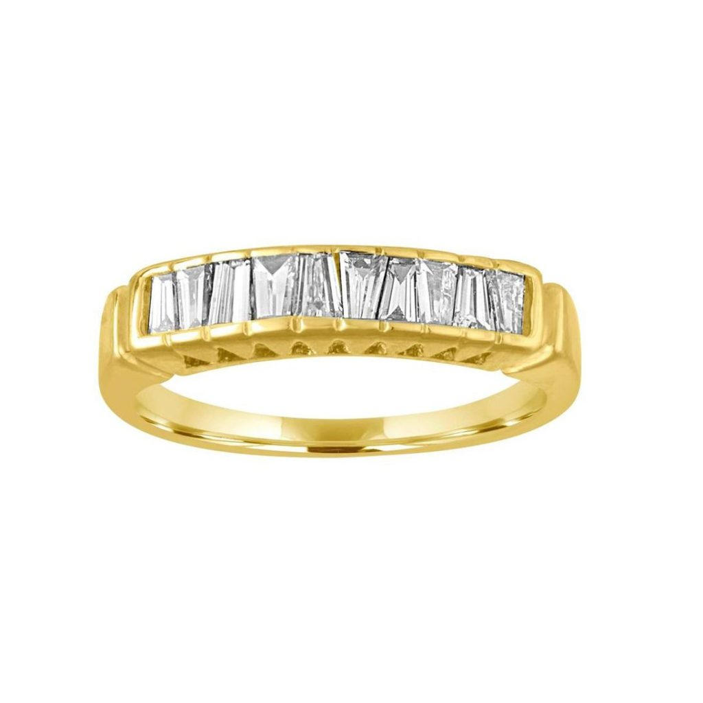 1STDIBS・0.70ctのテーパーバゲットダイヤが留まったゴールド結婚指輪