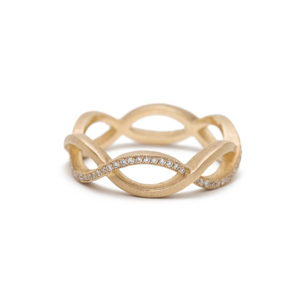 結婚指輪をオーダーする時に役立つ!10の個性的デザインのリング • 3