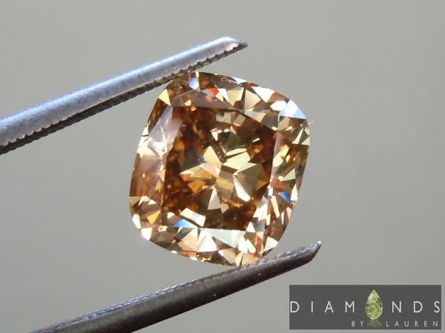 婚約指輪にブラウンダイヤを効果的に使う