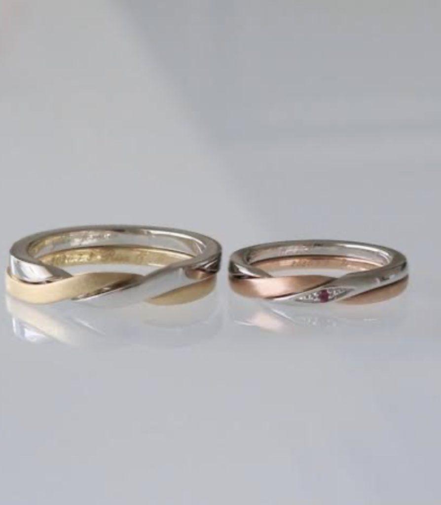 プラチナとゴールドのコンビカラー結婚指輪