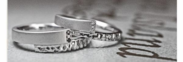 【カラーコンビ&ブラックダイヤ】ゴールドとプラチナの結婚指輪作品