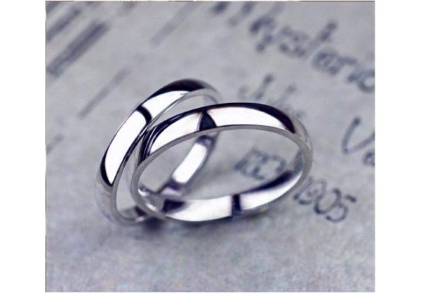 プレーンな結婚指輪に毎年1Pずつダイヤモンドを追加する
