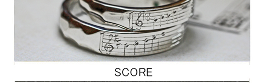 【薬指の楽譜】結婚指輪に2人だけに聞こえる音を刻んだオーダー作品
