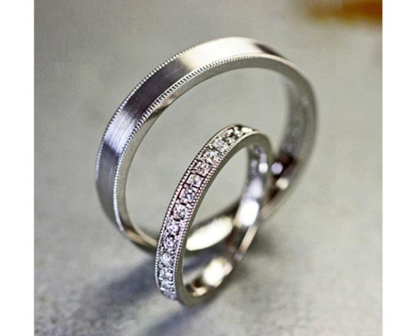 結婚10周年にエタ二ティ結婚指輪を