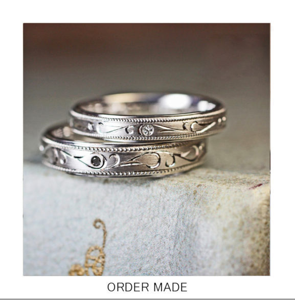【ブラック&ホワイト】ダイヤと【唐草柄】が輝く結婚指輪オーダー作品
