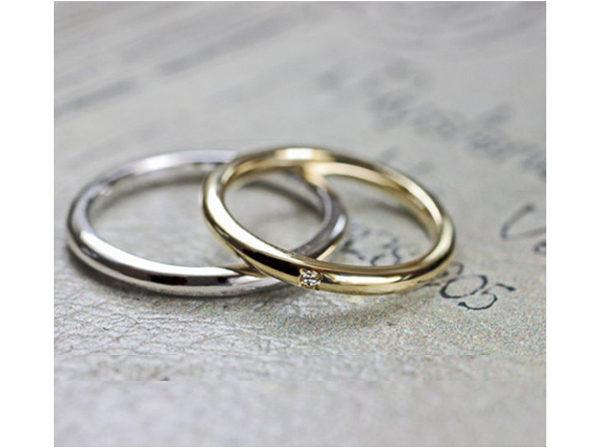 シンプルなゴールドとプラチナの結婚指輪ペア