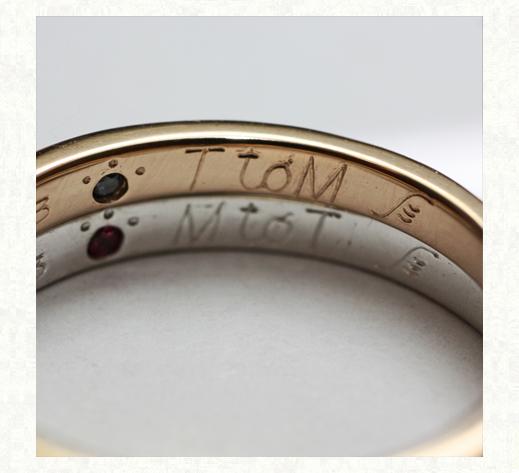 ピンクゴールドとプラチナの結婚指輪内側刻印
