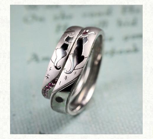 ネコのシッポでハートをつくる結婚指輪