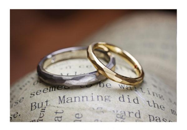 氷の表面テクスチャーのゴールド結婚指輪2 千葉・柏 ヨー&マーレの新作日記