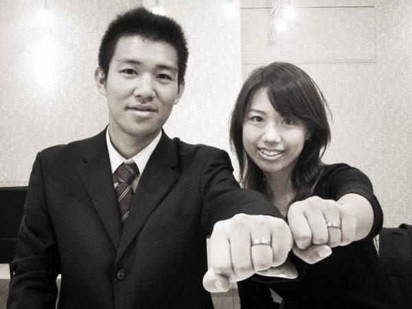 結婚指輪を重ねるとブラウンダイヤのラインが一つに繋がります。I様 千葉・ 柏