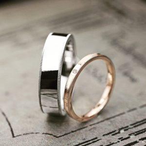 【幅広のメンズプラチナ】と【細いレディスピンク】の結婚指輪作品