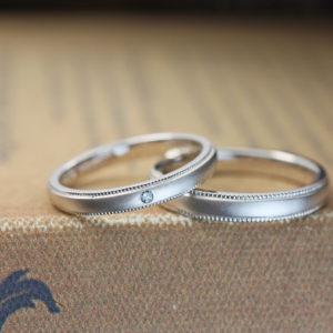 シンプルエレガントな艶消しマットの結婚指輪オーダーメイド