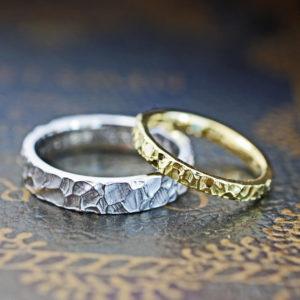 結婚指輪の表面をクロコ調のツチメテクスチャーにしたオーダー作品