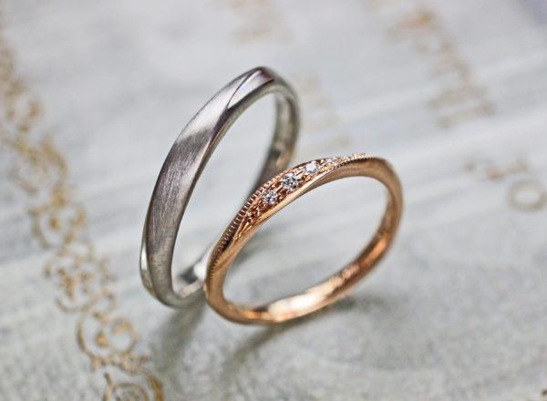 ピンクゴールドとグレーゴールドのオーダーメイドペア結婚指輪