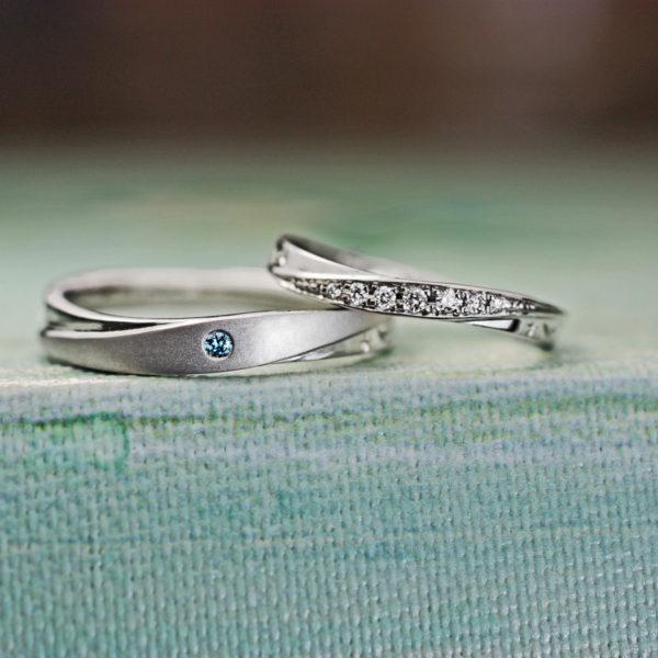 ウェーブしたダイヤの結婚指輪をオリーブの葉にデザインしたオーダーリング
