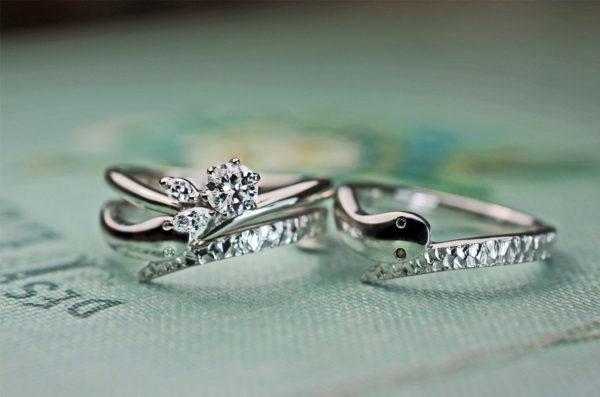 スネークデザインの結婚指輪と婚約指輪をプラチナ950でオーダーメイド