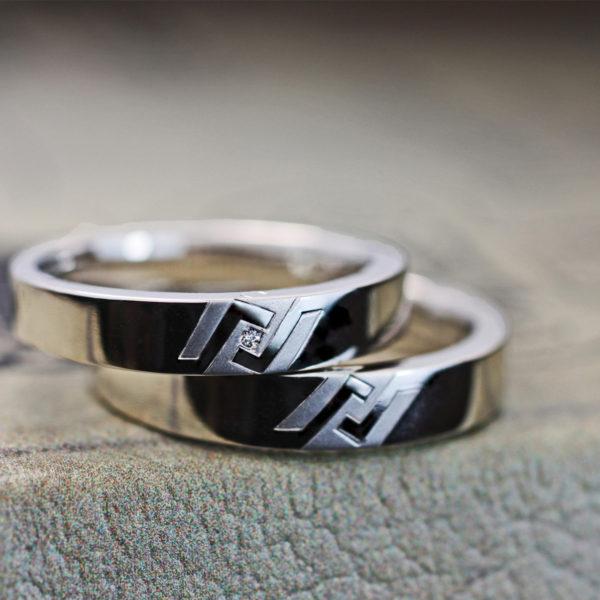 二人で考えたオリジナルマークを入れた結婚指輪オーダーメイド作品