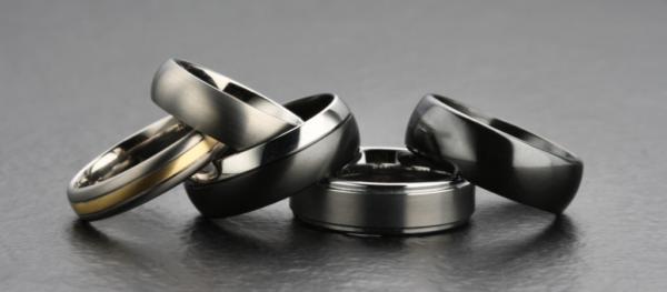男性の結婚指輪をオーダーメイドする