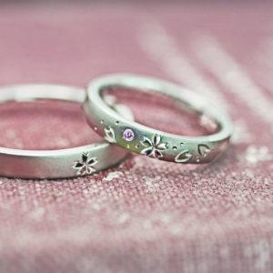 4月の【桜ピンク】を結婚指輪にオリジナルデザインしたオーダー作品
