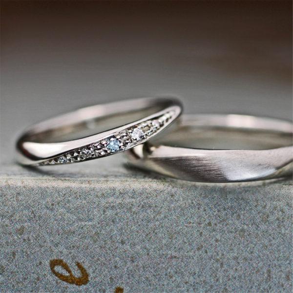 3つブルーダイヤが美しい結婚指輪オーダーリング