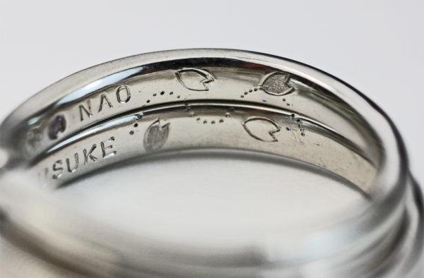 結婚指輪の内側に桜の花を二人で描いたオーダーリング