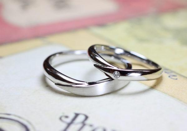 Vラインの結婚指輪をプラチナでオーダーメイド