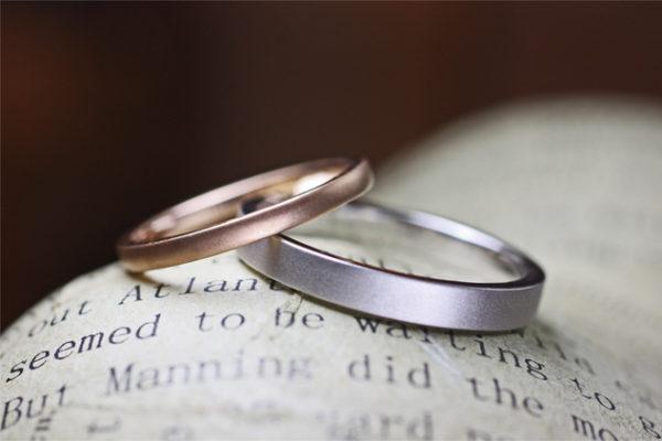 ピンクゴールドとグレーゴールドの結婚指輪をオーダー