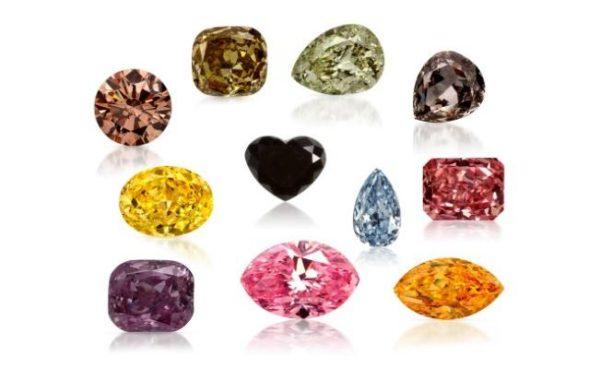 多彩な色のダイヤモンド