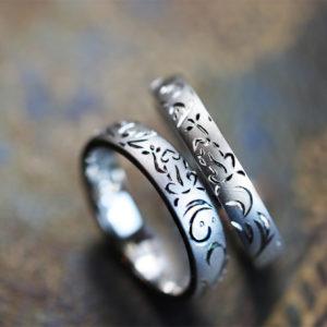 カエルのトライバル柄を結婚指輪にデザインした個性派のオーダー作品