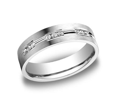 結婚指輪にダイヤモンド等の石をいれても予想ほど高くない