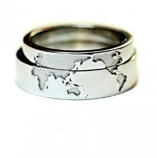 2本重ねて世界地図をつくる オーダーメイド・結婚指輪