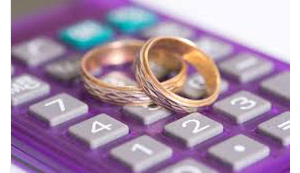 結婚指輪の価格はサイズと幅と金属で決まる