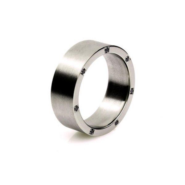 ブラックダイヤモンドで結婚指輪をオシャレにオーダーメイドする