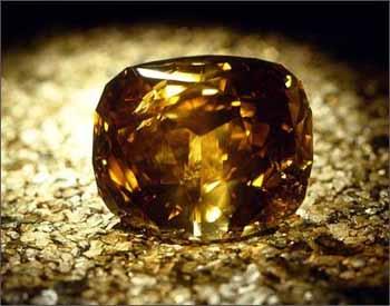 シャンパンやコニャックブラウンのダイヤを婚約指輪にオーダーメイド