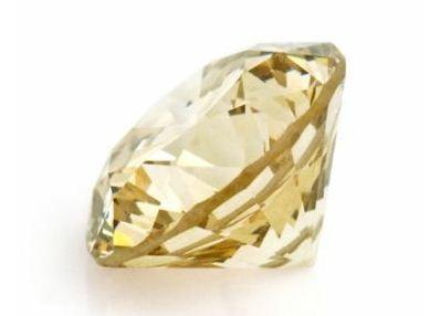 シャンパンカラー ダイヤモンド