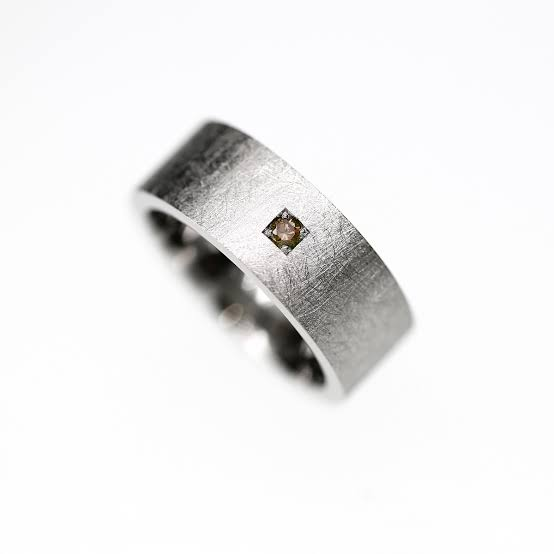 ブラウンダイヤで結婚指輪をもっとオシャレに個性的にオーダーする