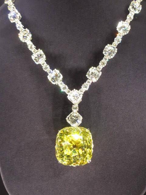 ティファニーイエローのダイヤモンドさネックレスに
