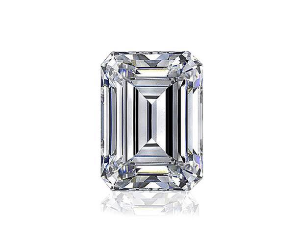 四角い形のエメラルドカットダイヤモンド
