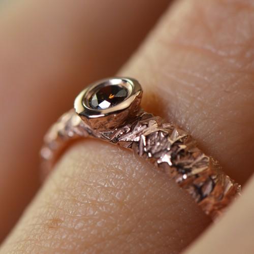 コニャックダイヤモンドのダイヤモンドリング