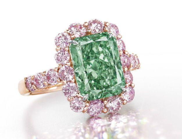 オーロラグリーン」ダイヤモンドリング