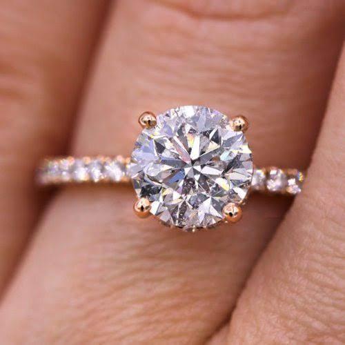 モアサナイトで婚約指輪をオーダーメイドする時に知るべき4つの利点