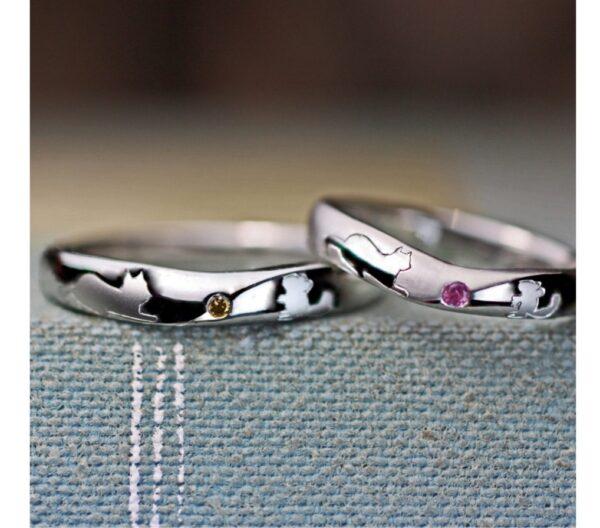 【ネコとネズミが見つめ合う模様】の結婚指輪オーダーメイド作品