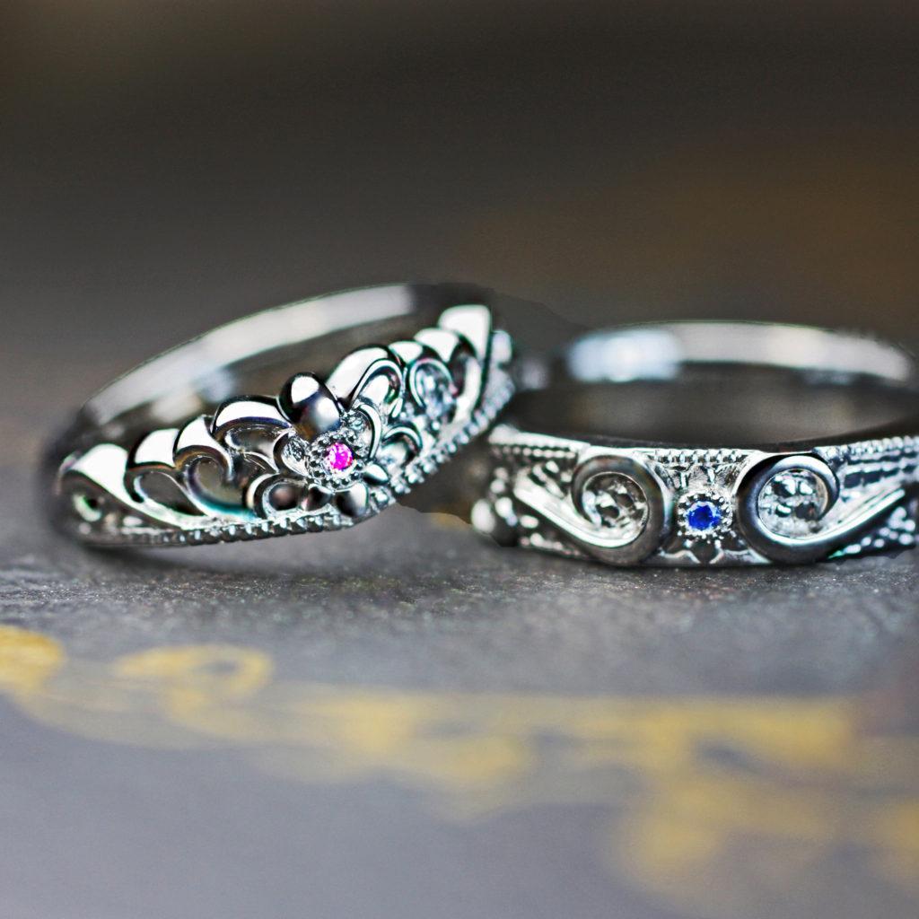 ピンク&ブルーサファイアをクラウンにデザインしたオーダー結婚指輪