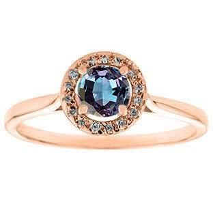 丸いラウンドシェイプのアレキサンドライトの婚約指輪