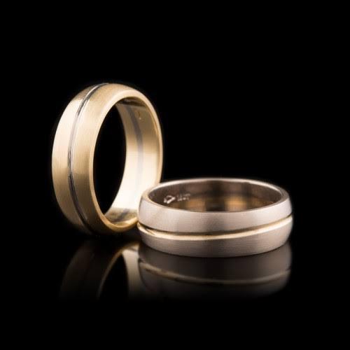 なぜ結婚指輪は細い?幅広のリングをオーダーメイドする為の3つの事