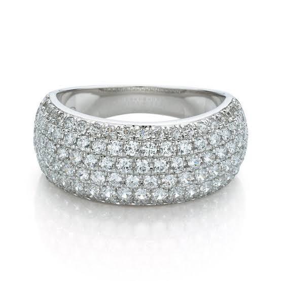 ダイヤを指輪に敷き詰める技法-パヴェのプラチナリング