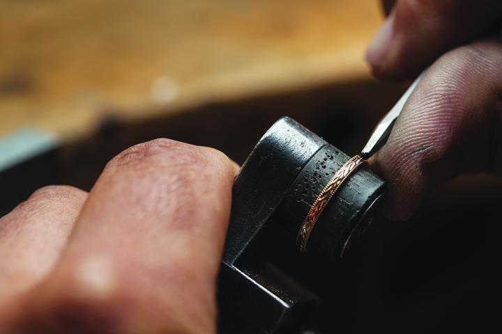 20年後にはいなくなる金細工職人たちが作り上げるいオーダー結婚指輪