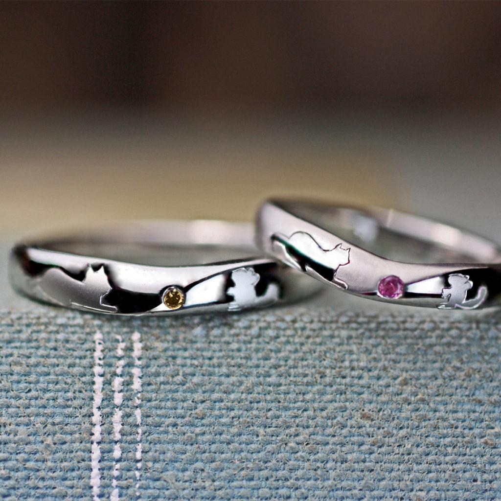 ネコとネズミが見つめ合う模様の結婚指輪オーダーメイド作品