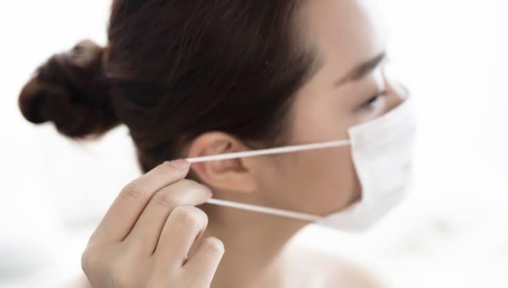 次亜塩素酸水をマスクへ噴霧し、何度も使用する事が出来る