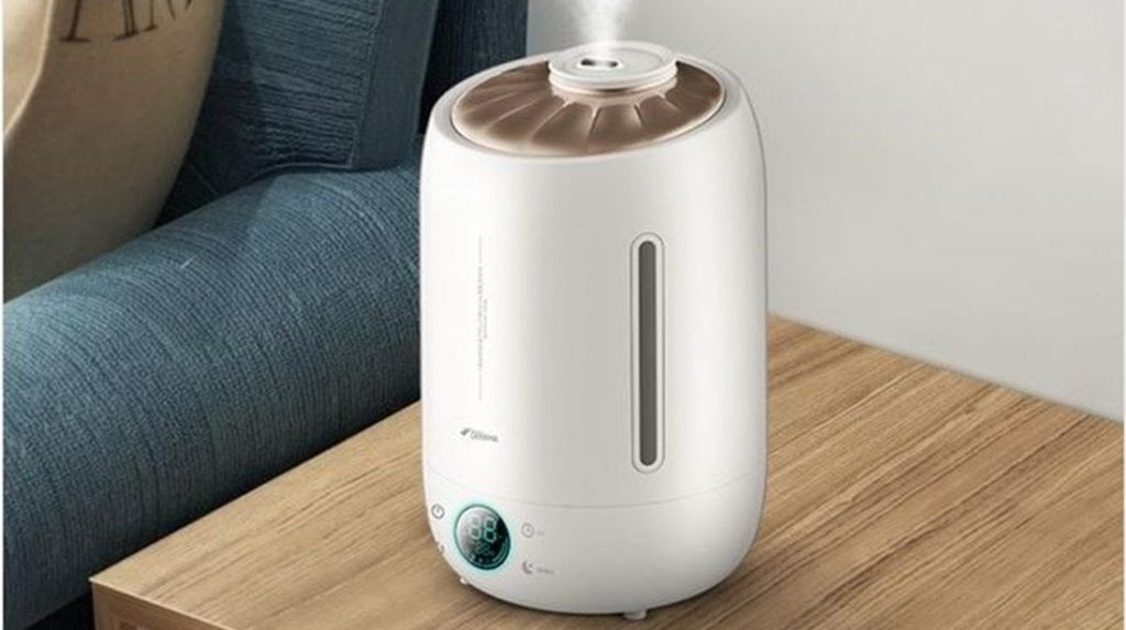 加湿器で次亜塩素酸水を噴霧し、室内をウィルスフリーの状態にする
